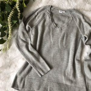 [gap] cozy gray v neck sweater